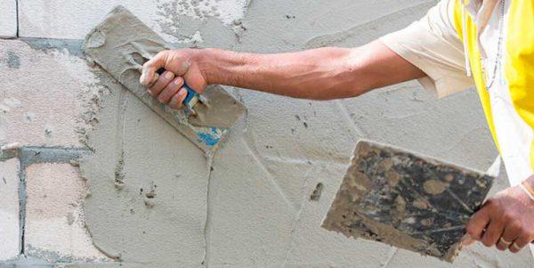 Як правильно штукатурити стіни